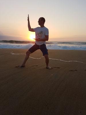 shuto de Sylvain sur le sable dans les Landes