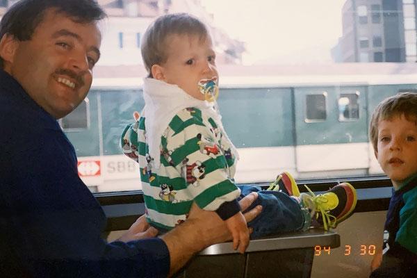 30.3.1994: Natürlich gehören regelmässige Bahnfahrten zum Ausbildungsprogramm