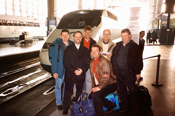 Das sind ein paar Jungs vom Flughafenbahnhof Zürich, mit denen ich seit über 30 Jahren Bahnerlebnisse in ganz Europa geniesse.