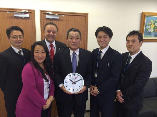Partner aus aller Welt haben eine Uhr von uns