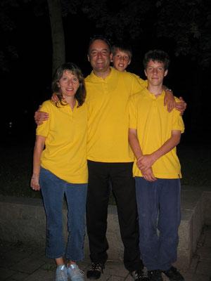 06/2004: Wir feiern 111 Jahre Familie M&M&M&M Lauber in der Altrüti in Gossau ZH