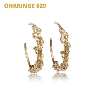 """Ohrringe aus der Serie Wired   925 Sterlingsilber Gelbgold vergoldet   *handmade  <br><a href=""""https://www.caroertl.com/shop/ohrringe/ohrringe-029/"""" target=""""_blank"""" p style=""""color:#d5a93e""""> zum SHOP ...</a>"""