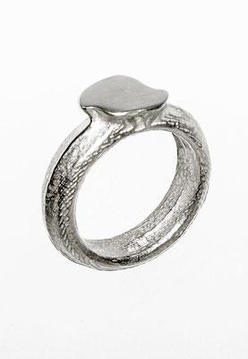 Eva Tesarik - Ring - Silber Sepiaguss