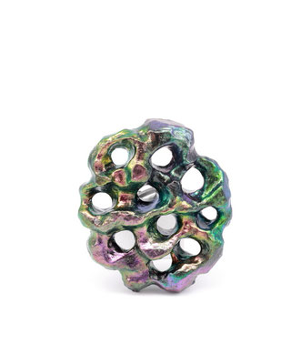 AURORA TWO | Ring | Balsaholz, irisierendes Pigment, Lack, Silber | € 450.-
