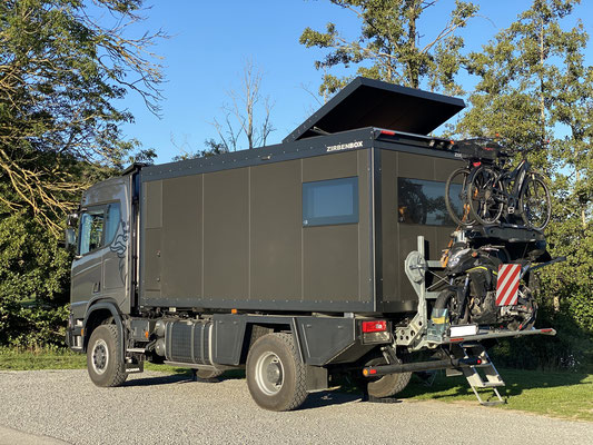 Expeditionsfahrzeug Zirbenbox auf Scania 4x4 Camper