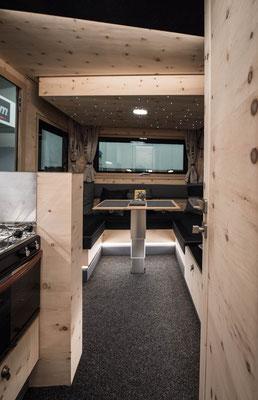 Expeditionsfahrzeug Zirbenbox Interior 1