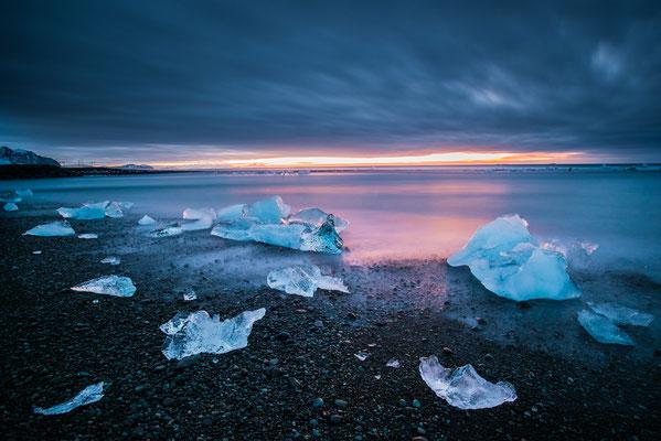 Lever de soleil à Diamond beach - Jökulsárlón