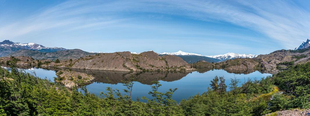 Laguna Los Patos (Torres Del Paine)