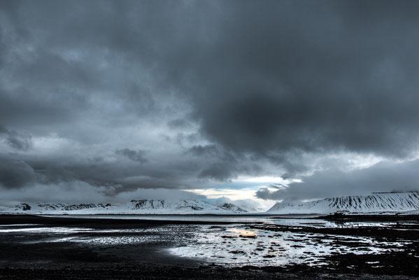 Plage de sable noir - Grundarfjörður