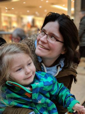 Sandra mit Enkel Marie