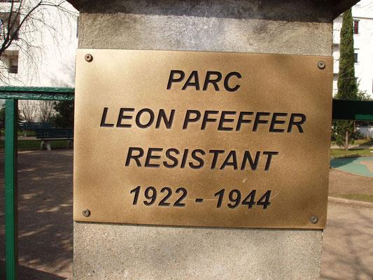 Parc Léon Pfeffer, 6 rue du Général Gouraud (8e)