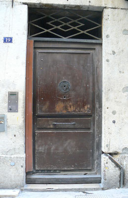 19 rue Saint-Jean (5e)