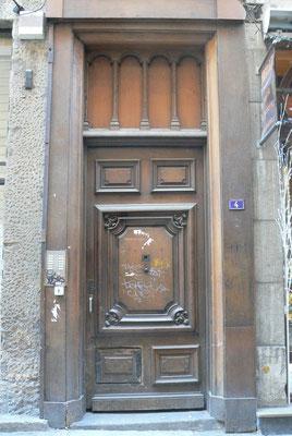4 rue Saint-Jean (5e)