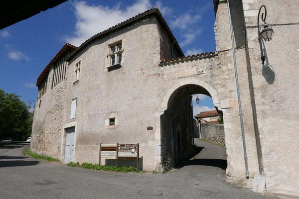Le rempart et la porte Cabirole
