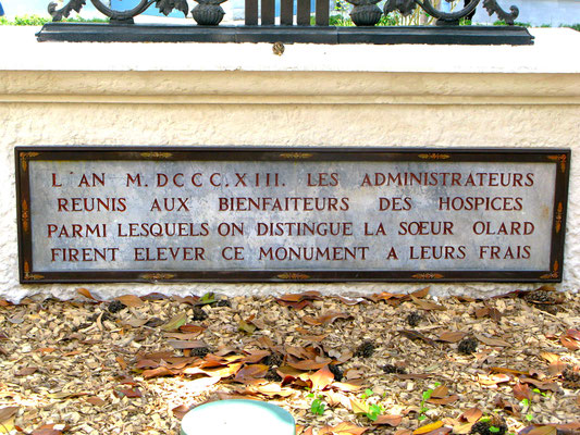 Hôtel-Dieu (cloître entrée place de l'Hôpital) Lyon 2ème