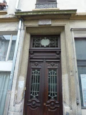 angle rue Cavenne/rue Montesquieu