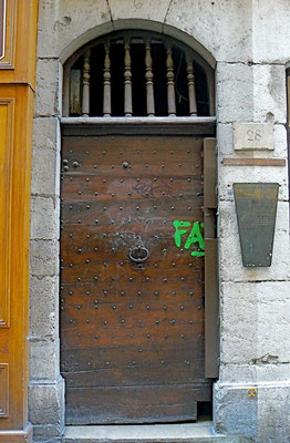 28 rue Saint-Jean (5e)