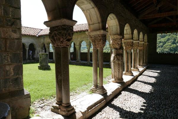 La cathédrale : le cloître