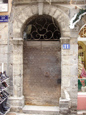 11 rue Saint-Jean (5e)
