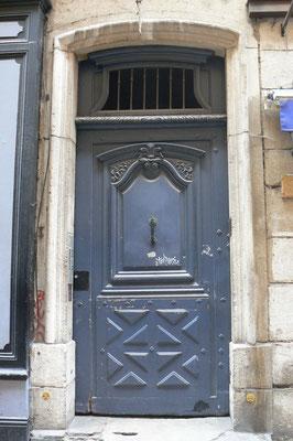 34 rue Saint-Jean (5e)