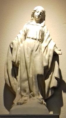 L'ancienne Madonne restaurée et intallée dans l'église du Sacré-Coeur