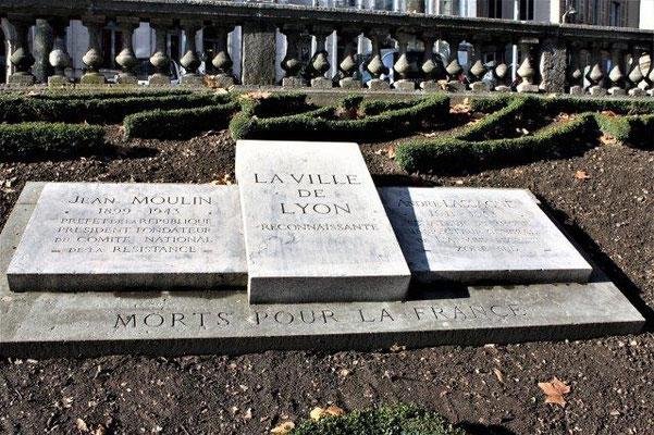 place Tolozan Lyon 1er