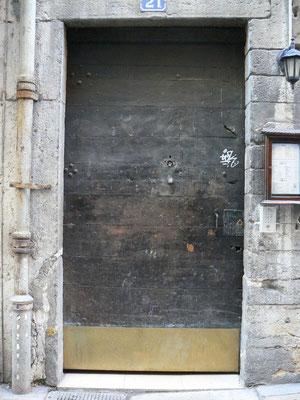 21 rue Saint-Jean (5e)
