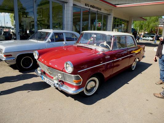 Fremdfahrzeug Opel P2