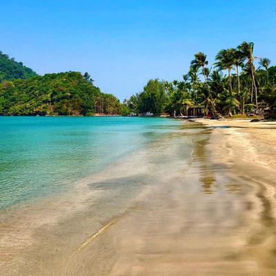 Song Klong Beach auf Koh Chang in Thailand