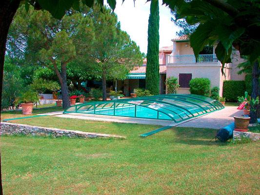 S&K GmbH Jacuzzi Whirlpool - Pool im Garten mit Überdachung