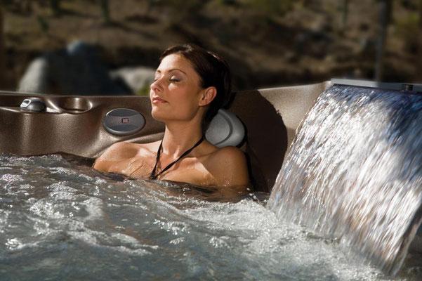 S&K GmbH Jacuzzi Whirlpool - Entspannung im Außenwhirlpool
