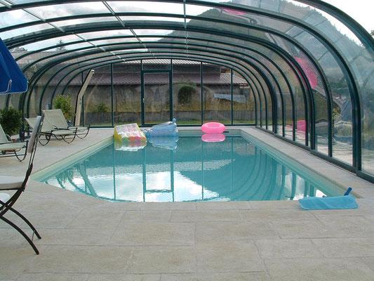S&K GmbH Jacuzzi Whirlpool - Poolüberdachung bei Regen