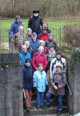 Die Wandergruppe am Sauerbrunnen