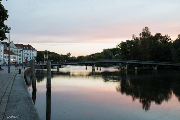 "die Obertravebrücke - ""Liebesbrücke"""