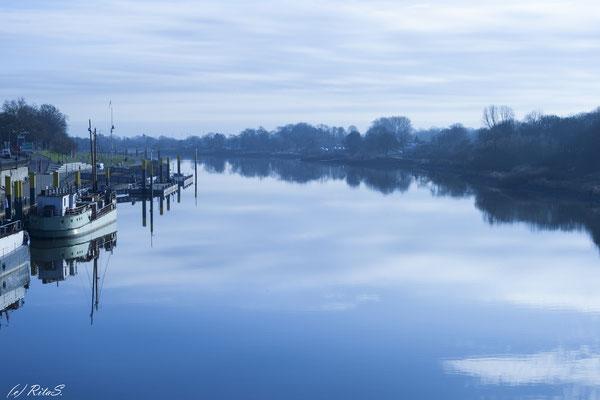 An der Weser, Impression in Blau