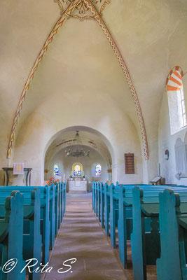 danach folgt der Blick auf den gesamten Kirchenraum