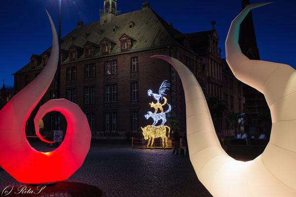 Lichtinstallation und Stadtmusikanten