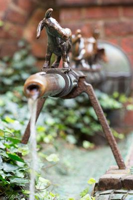 unweit der Originalen gibt es noch eine Variante  Stadtmusikanten  - am 7-Faulen-Brunnen in der Böttcherstrasse