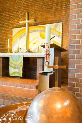 der Altar,