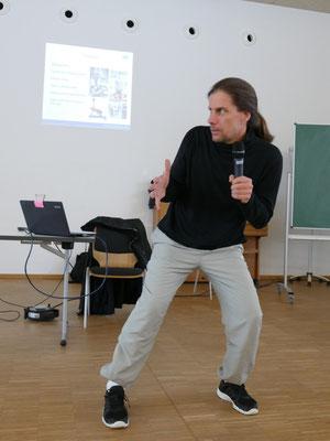 Beweglichkeit bis ins hohe Alter mit Sylvester Neidhardt