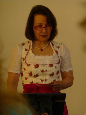 """""""Die Rose und ihre heilsamen Wirkungen""""- mit Maria Theresia Riedl,"""