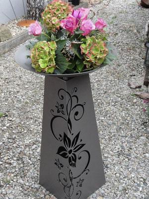 """Pulverbeschichtete Säule  """" Blume 0,80 m hoch """" in tigre Preis 210,00 €"""