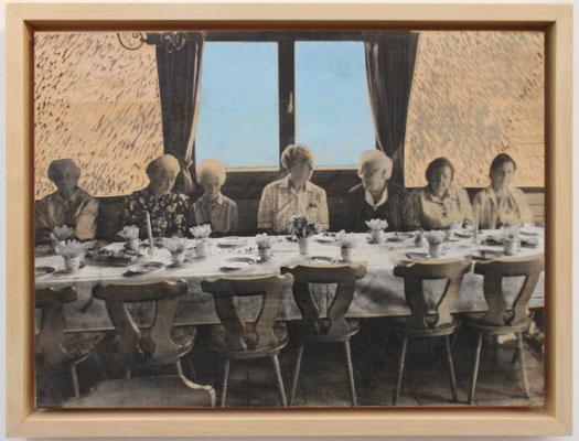 """Land Girls""  Lindenholz, Acryl, Fototechnik  40 cm x 52 cm"