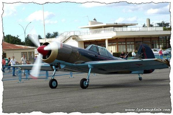 Yakovlev Yak-50 (meeting Vichy 2006)