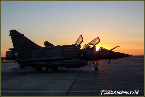 Au levée du soleil, les verrières encore baignées de rosée, Mirage 2000D de la SPA95 de l'Escadron de chasse 1/3 Navarre