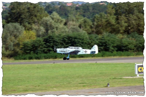 Pilatus P2 (meeting Vichy 2006)