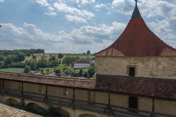 © Traudi - Kloster Kleincomburg mit Wehrgang