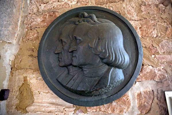 © Traudi - Im Schloss befindet sich auch eine Gebrüder-Grimm-Gedenkstätte. Jacob und Wilhelm Grimm lebten in Steinau von 1791 bis 1798.