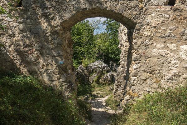 © Traudi - Hier gehts zu den ehemaligen Nebengebäuden  (is nix mehr da)