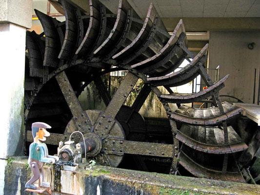 © Traudi - Wasserrad - Die Wasserräder am Kesselwasen stellen ein bedeutendes Zeugnis für die Geschichte der Industrialisierung Esslingen dar.